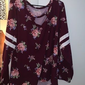 NWT PLUS SIZE Soft floral long sleeve blouse